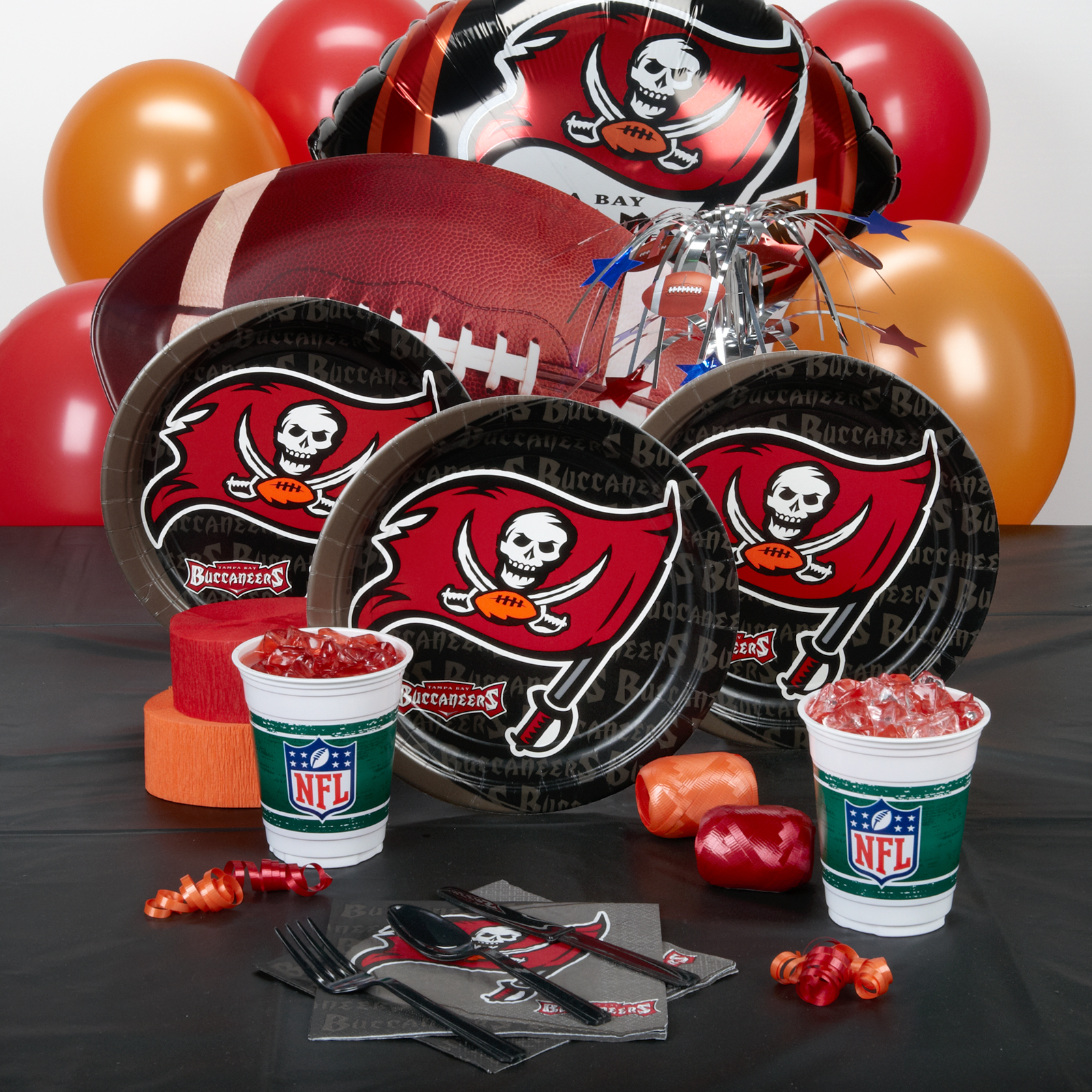 Tampa Bay Buccaneers Deluxe Party Kit