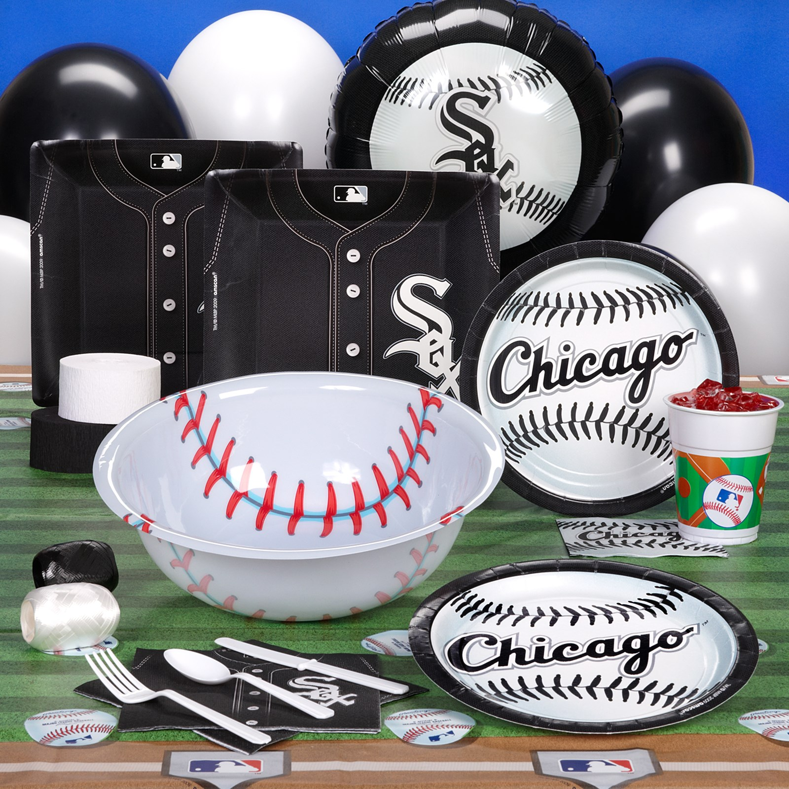 Image of Chicago White Sox Baseball Deluxe Party Kit