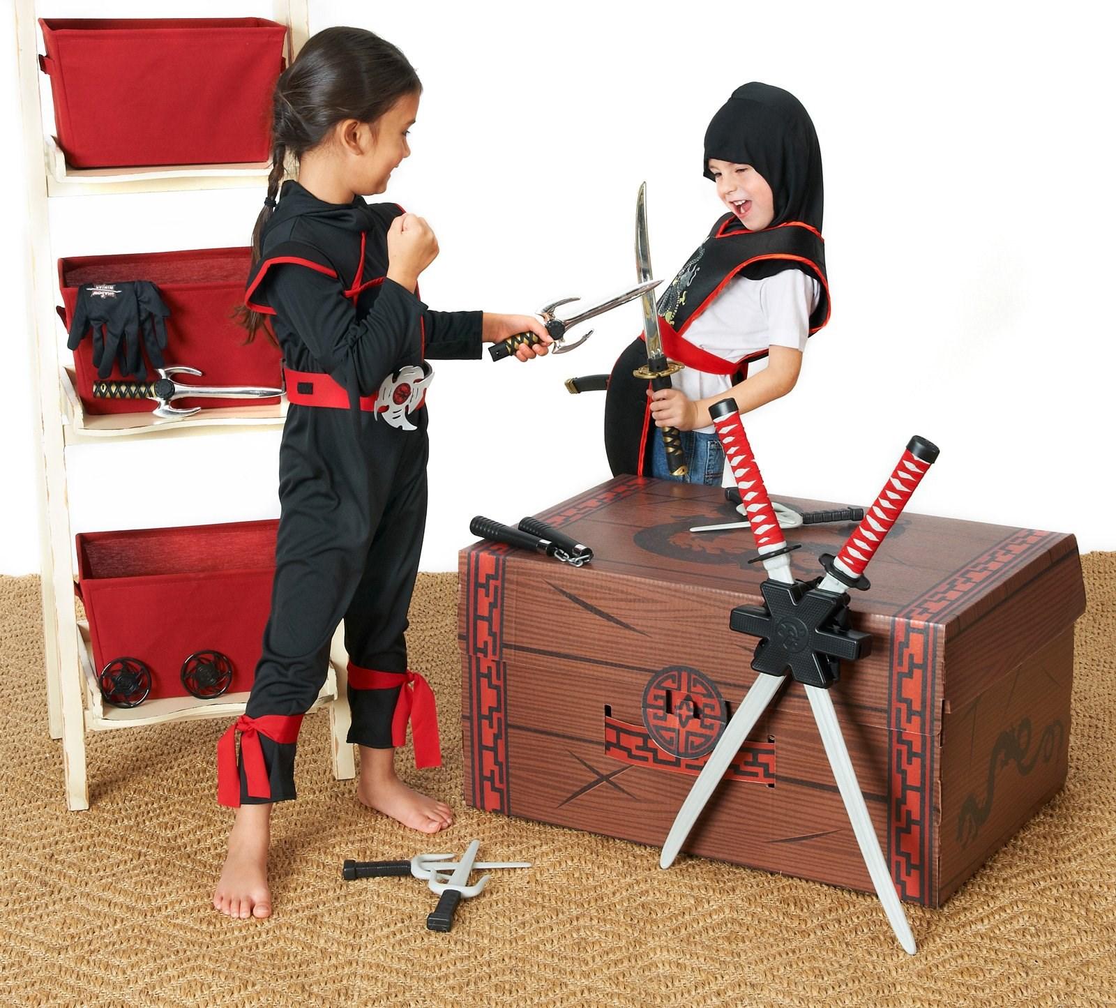 Deluxe Ninja Dress-Up Trunk
