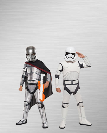 Captain Phasma and Stormtrooper