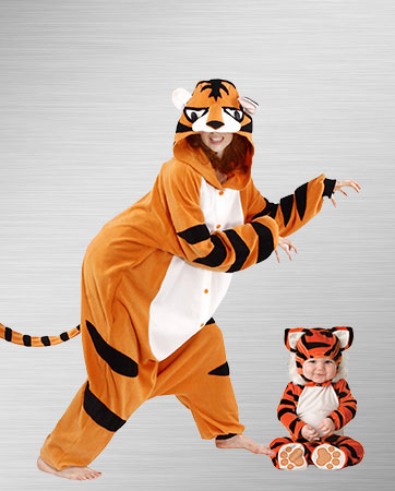 Adult Tiger & Baby Tiger