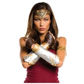 Justice League: Wonder Woman Deluxe Accessory Set