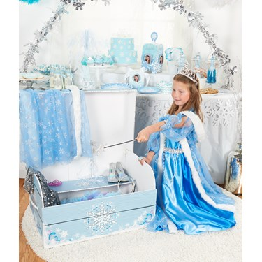 Snowflake Dress-up Trunk