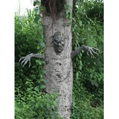 Spooky Living Tree Outdoor Decoration