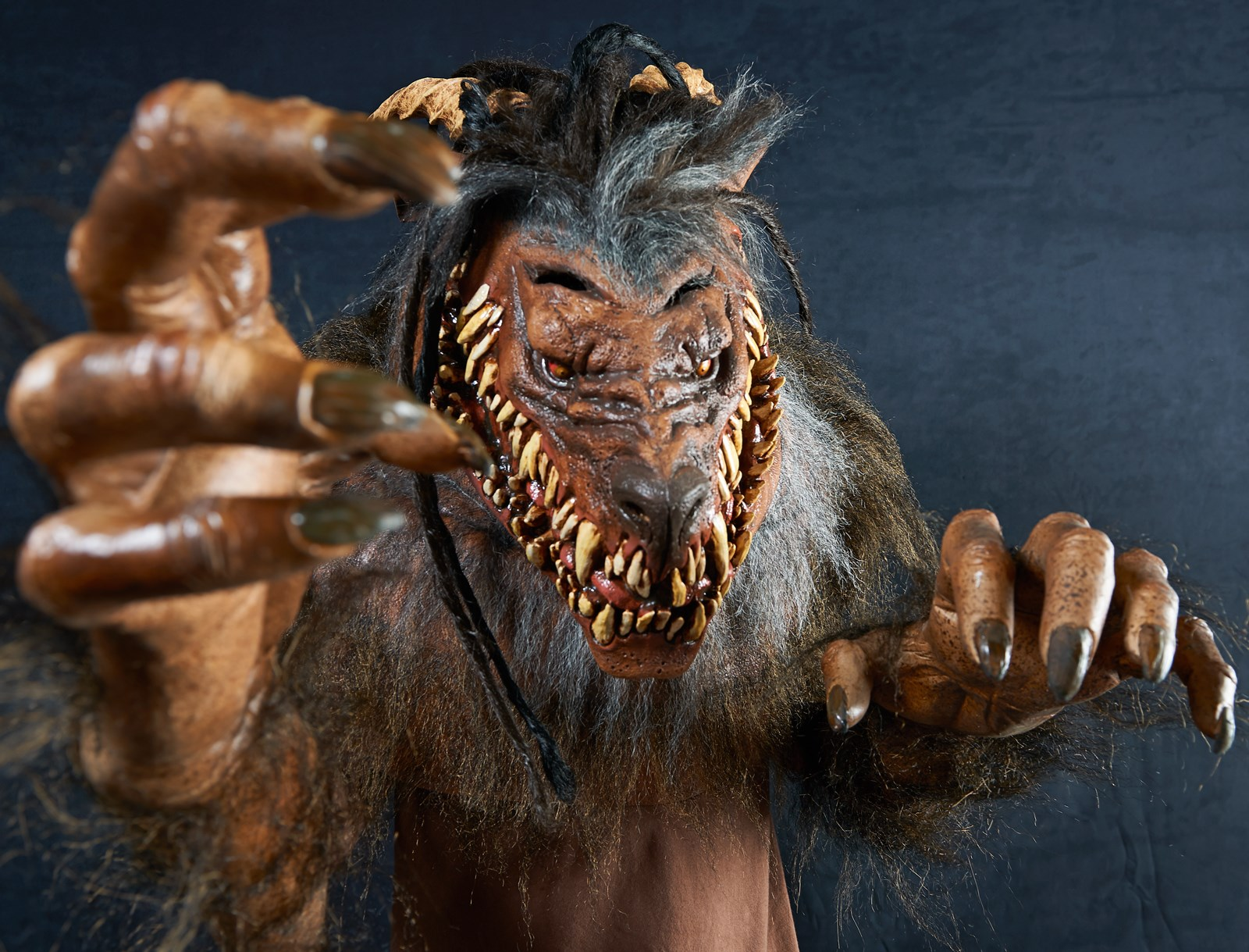 The Nightmare Collection – Snarling Werewolf Costume